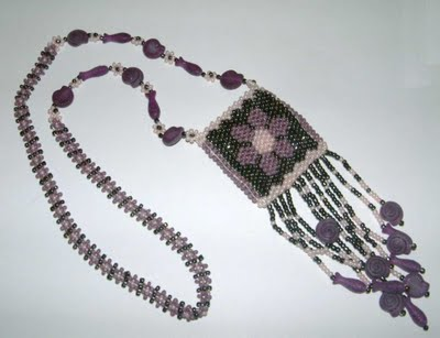 Amulette Fleurie II