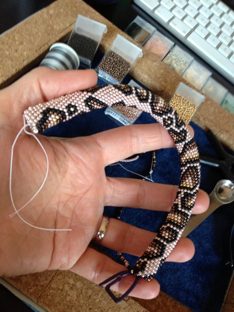 Collier au crochet - motif serpent