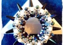 Pendentif «roue» (pinwheel pendant)